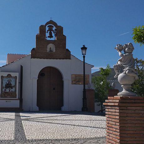 Cicerones-rurales-agroturismo-en-malaga-Axarquia-Me-Gusta-Ruta-Paisajes-con-Historias-Sierra-Tejeda-Almijara-iglesia